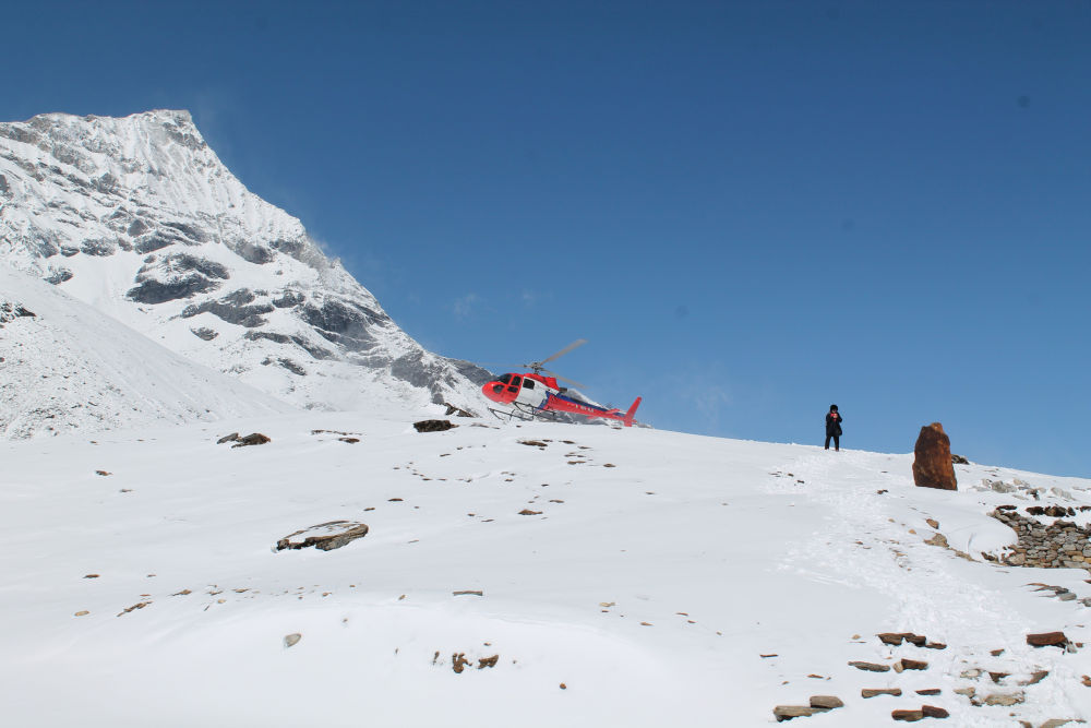 Comfortable ride to the most beautiful corner of the world - heli trek to Everest
