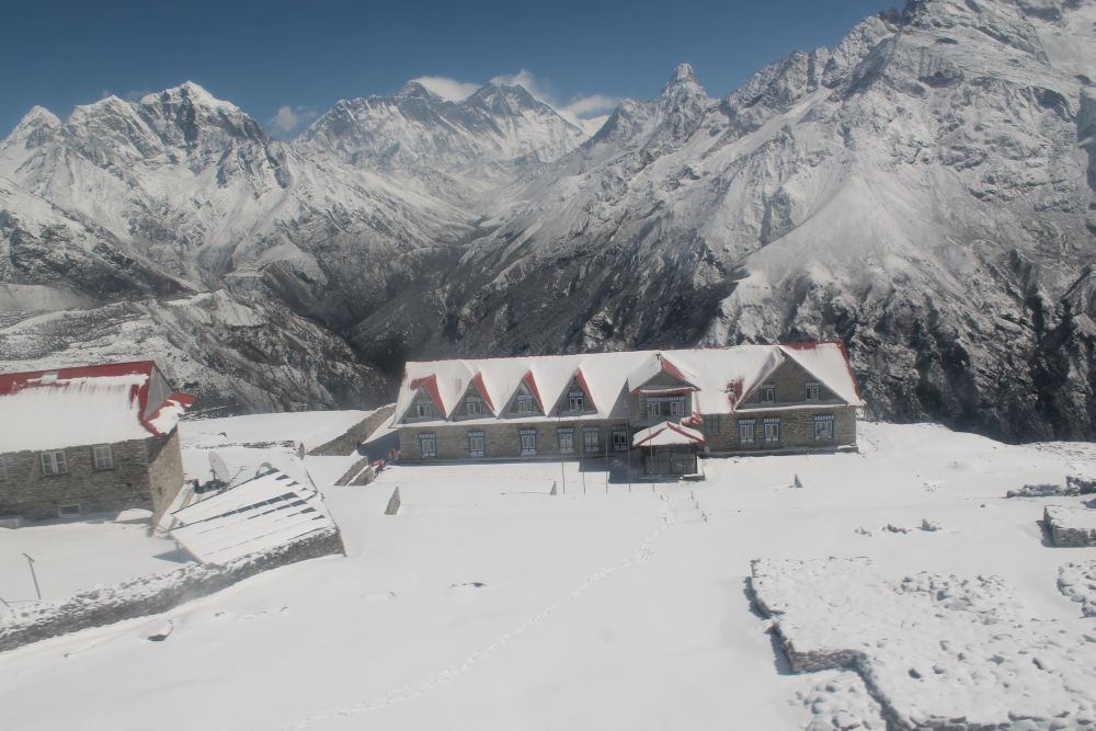Kongde Resort, Everest 4250m where even the snowfall can be heard