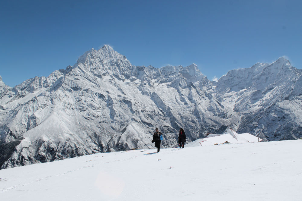 Walk over the fresh snow- Probably the softest walk - Everest heli Trek