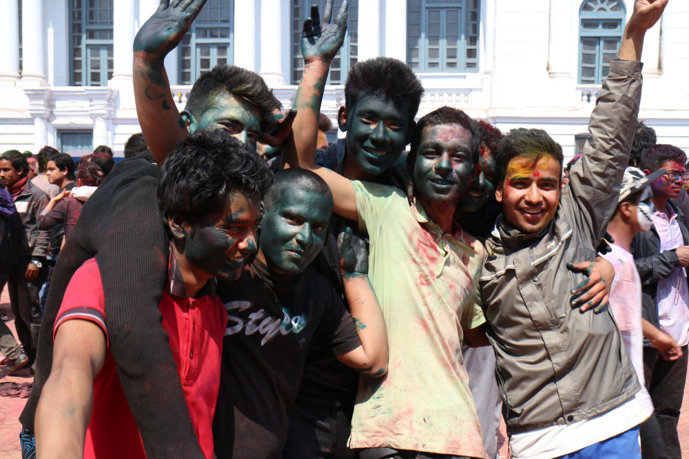 Holi- festival that makes new friends