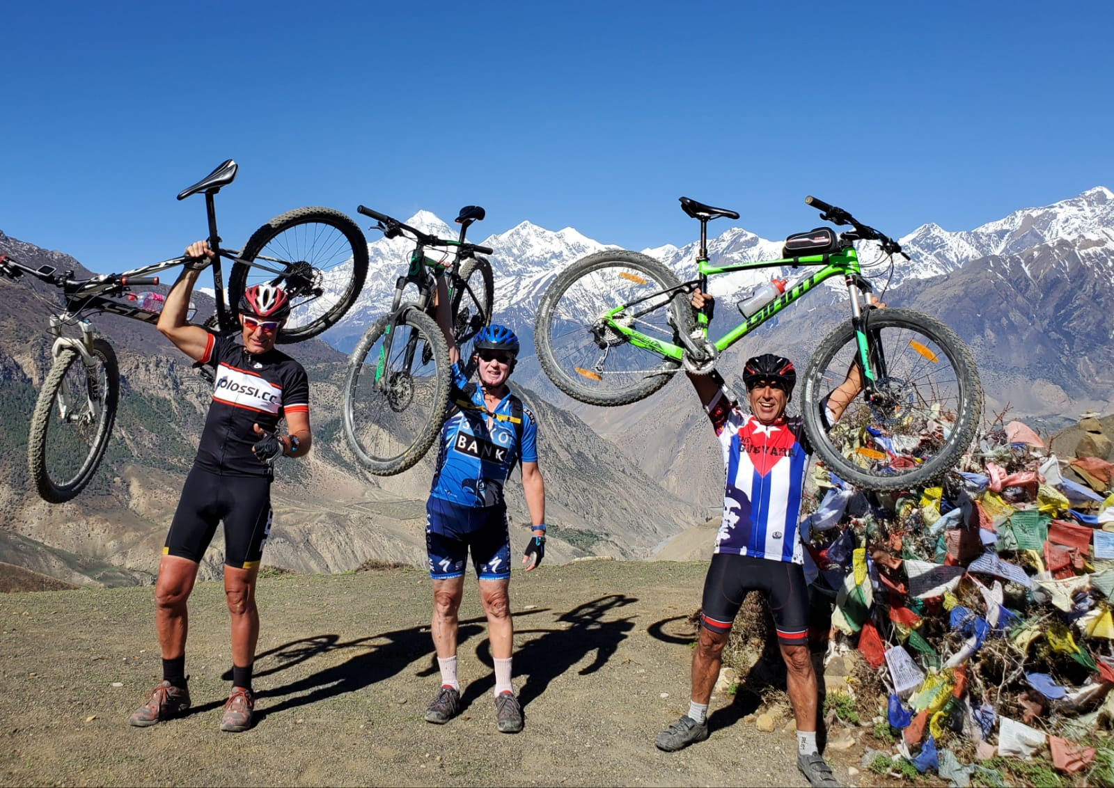 Cycling around Annapurna 1