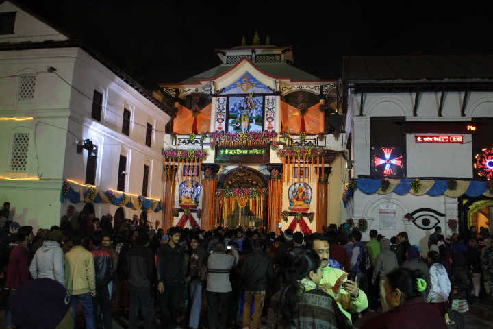 pashupati-main-gate