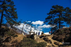 On the way to Tengboche (3864m)