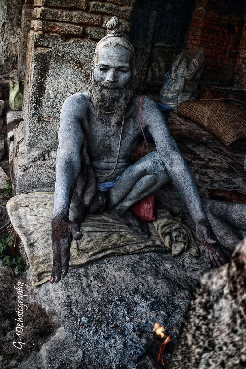 sadhus-at-pashupatinath (5)