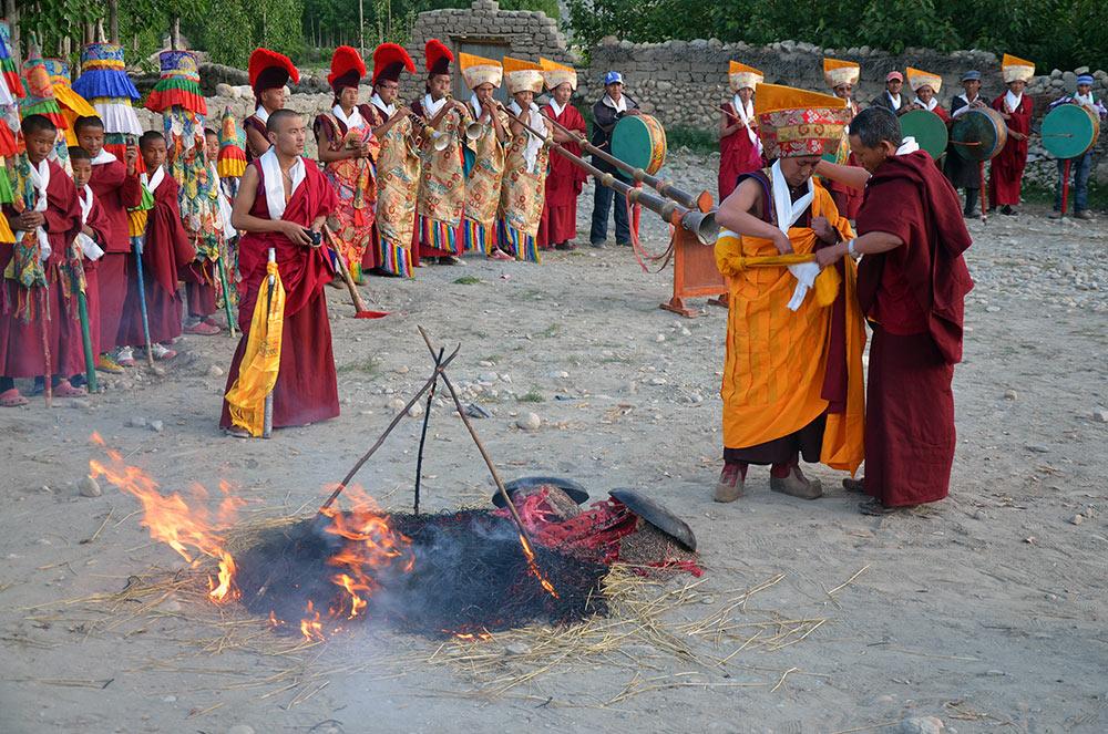 tiji-festival-upper-mustang