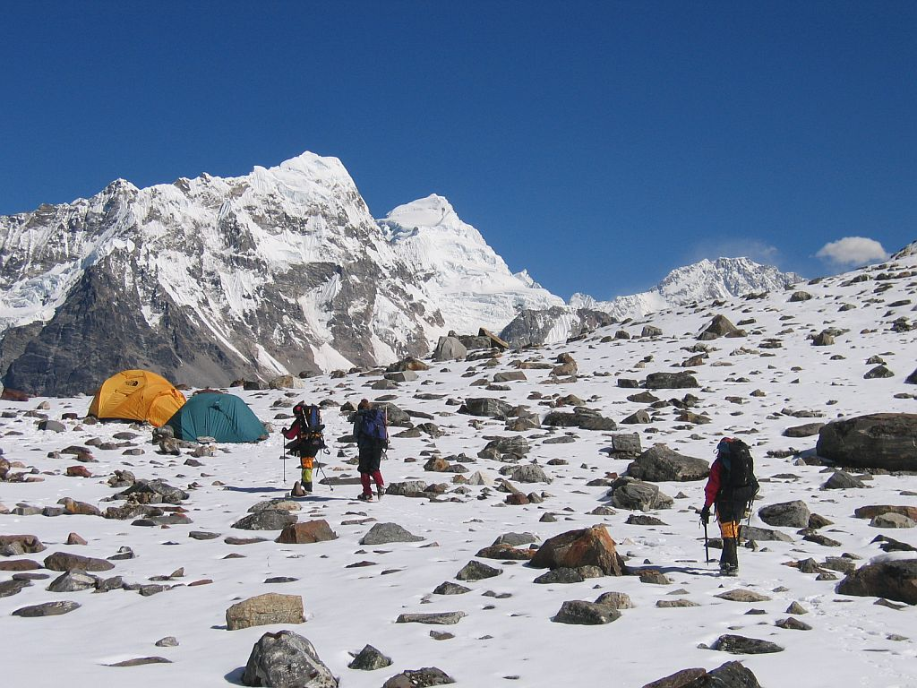 everest expedition permit fee extended